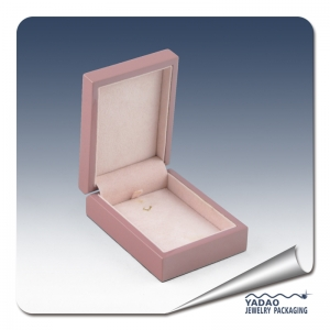 2014 newest design pink lacquer wooden pendant box by China supplier