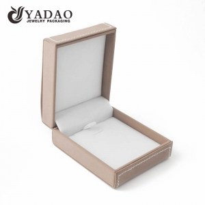 2017 Winter New Fashion---Plastic jewelry box for necklace/pendant/choker display and package; covered with good yangbuck with free logo printing service.