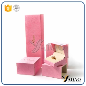well-designed wholesale custom warm color  with outside cover plastic jewelry box for ring/bangle/bracelet/necklace/earring packaging