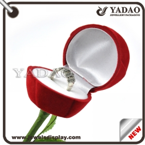 Beautiful red velvet jewelry box for ring made in China