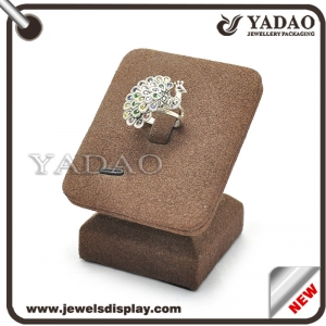 China Manufacture of Jewelry Display Stand MDF covered Velvet Ring Stand Brown Color Display Stand Ring Holder