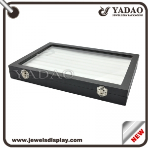 China factory of Stock white PU leatehr jewelry display trays with transparent plastic lid for jewelry shop and tradeshow storage ring show cases