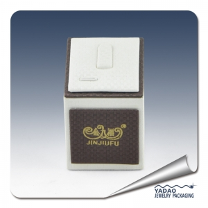 China manufacturer Brown PU and white PU ring holder with Golden foil logo for jewelry store