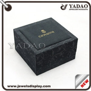China manufacuter elegant pattern velvet jewelry plastic box for ring pendant bangle bracelet with logo in a low price