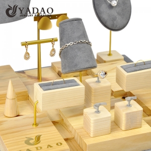 China wood jewelry display set luxury jewelry display packaging customize with logo