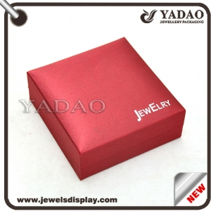 Chinese style red leatherette smoothy surface jewelry plastic box manufacture