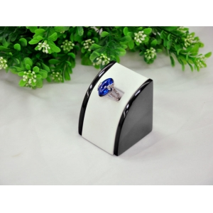 Custom Luxury white PU leather and black wooden ring display stand for shop counter and window showcase lacquer ring exhibitor props