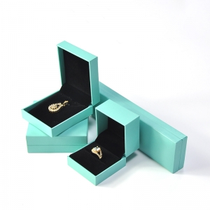 Custom Spring Green Plastic Box Covered with Leatherette Paper and velvet inside for Jewelry Packaging