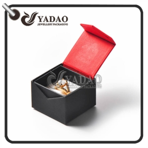 Custom made jewelry boxes for women made of fancy paper with hot stamping logo made by Yadao.