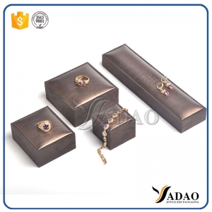 Customize wholesale free logo plastic jewelry set include bracelet/pendant/ring/bangle/chain/earring/coin/gold bar box