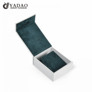 Delicate and elegance clean color with velvet  jewelry paper box
