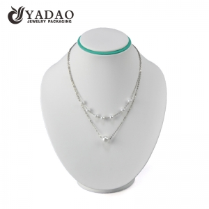 Design and customize white color necklace jewelry pendant display stand