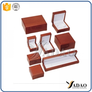 Factory price elegant wholesale matt glossy wooden jewelry gift set package box include ring /bracelet/pendant/earring/chain box