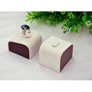 Fashion leather jewelry display for ring display stand made in China
