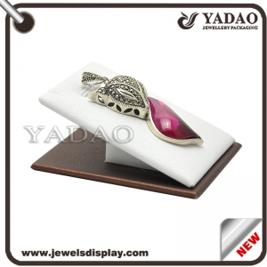 Good quality leather jewelry pendant display stand holder made in China