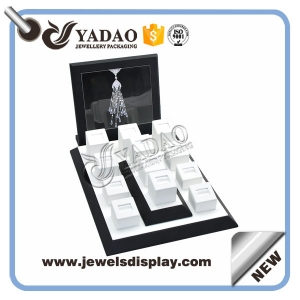 High quality black & white leather covered wooden ring display stand set make the China