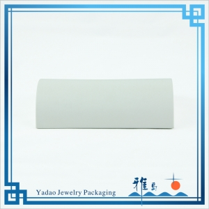 Hot sale white PU leather bracelet display ramp for bracelet display with high quality