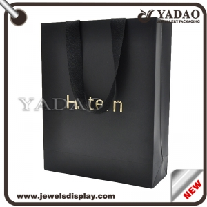 Luxury classic black paper shopping bags with gold hot stamping logo for shop and shopping mall party favors paper packing bags