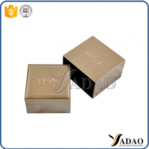 Luxury leather material 1.000 MOQ wholesale Customize logo color plastic box jewelry boxes for jewelers