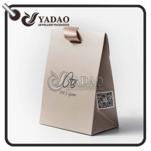 New design---Custom made paper gift bag jewelry package bag.