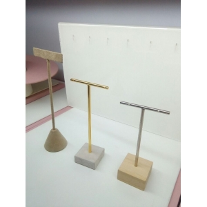 New design---Goodlooking handmade metal earring stand for stud display with good quality and smooth finish.