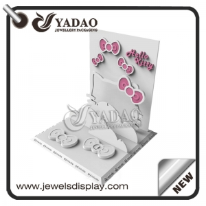 OEM/ODM Hello Kitty style jewelry display set suitable for exhibiting women's jewelry and girl's jewelry.