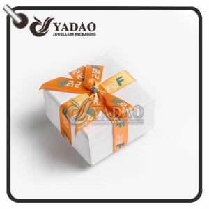 OEM/ODM paper gift  bag suitable for jewelry/watch/present/souvenir  package with customized color and size.