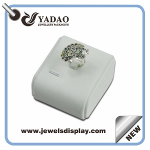 OEM or ODM white leather jewelry ring display stand