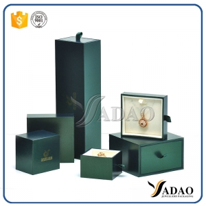 OEMODM Customize wholesale free logo plastic jewelry set include bracelet/pendant/ring/bangle/chain/earring/coin/gold bar box