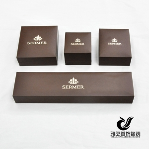 Wholesale Custom brown jewellery gift boxes with gold hot stamping logo and velvet insert custom leatherette paper jewelry box
