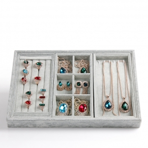 Wholesale economic jewellery exhibitor holder for ring earring and bracelet display used for tradeshow showcase grey velvet jewelry tray