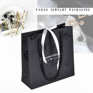 YADAO  Luxury Holiday Bag Custom Logo Black Color CMYK New Design Cartoon Paper Bag for Clothes Gift Shopping