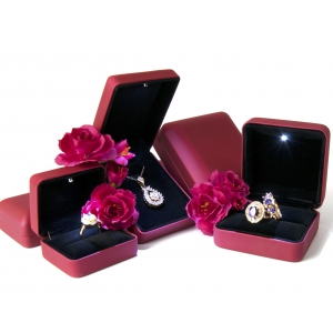 Yadao Luxury Red Plastic Box Sets with Led Light Jewelry Led Box