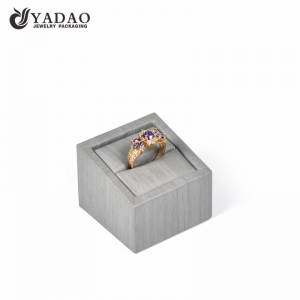 Yadao custom color style ring display jewelry packaging wooden handmade ring display stand