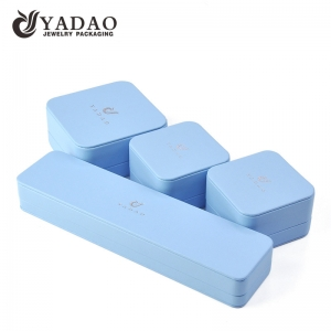 Yadao high quality pu leather jewelry plastic box in light blue color for ring earrings pendant bangle packaging