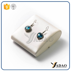 beautiful custom delicate small but nicety water shape MOQ wholesale earring dsiplay stands