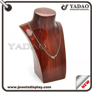 glossy lacquer resin hot selling jewelry necklace and pendant  mdf + pu leather customized display  stand with superior quality and economic price for wholesale