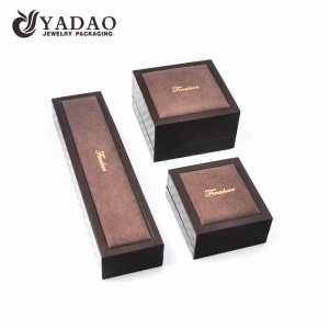 high-end delicate MOQ wholesale thick edge plastic leather with velvet  elements jewelry packaging box