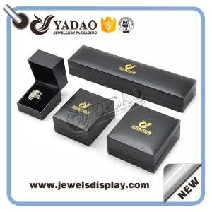 luxury high quality finish plastic box jewelry packaging box ring pack earring box necklace bracelet plastic box with logo hotstamping on the top