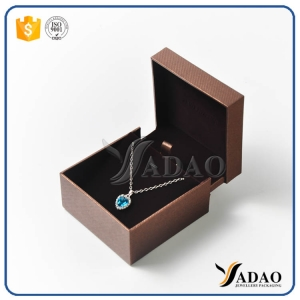ew arrival good quality special well-matched plastic leather velvet pendant watch box with moq wholesale