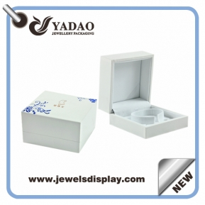 China Chinese style blue and white porcelain Luxury Boxes For bangle Jewelry ,plastic bracelets chests  ,bangles packing cases for jewelry shop party favors Manufacturer Wholesale factory