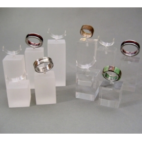 China Clear acrylic jewelry display stand for ring custom design jewelry ring holder factory
