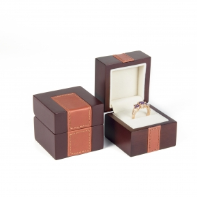 China Custom High-grade Jewelry Wooden Trinket Box for Nose Ring factory