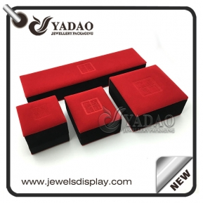 Čína Custom classic design jewelry gift boxes with soft  flocking material továrna