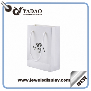 China Customized Glossy jewelry sh0pping paper bags with screen printing logo wholesale price China manufacturer factory