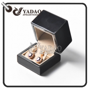 China Customized wooden earring box with leatherette clip suitable for earring/stud display and package. factory