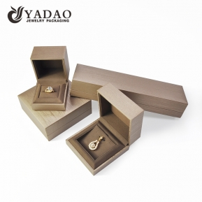 China Design pendant jewelry box packaging brown color with velvet insert customize logo necklace jewelry box factory