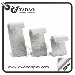 China Elegant, attractive simple shape-colour design/velvet/telematerial for display earrings/displays stand factory