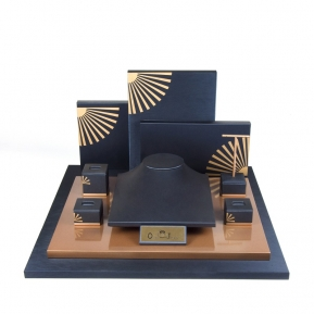 China High Quality Luxury PU Leather Jewellery Display Stands Set Wooden Jewelry Display Set factory