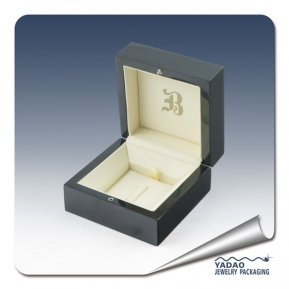 China High-end lacquer wooden jewelry box for ring by chinese manufacture factory